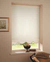 Shaped edge roller blinds